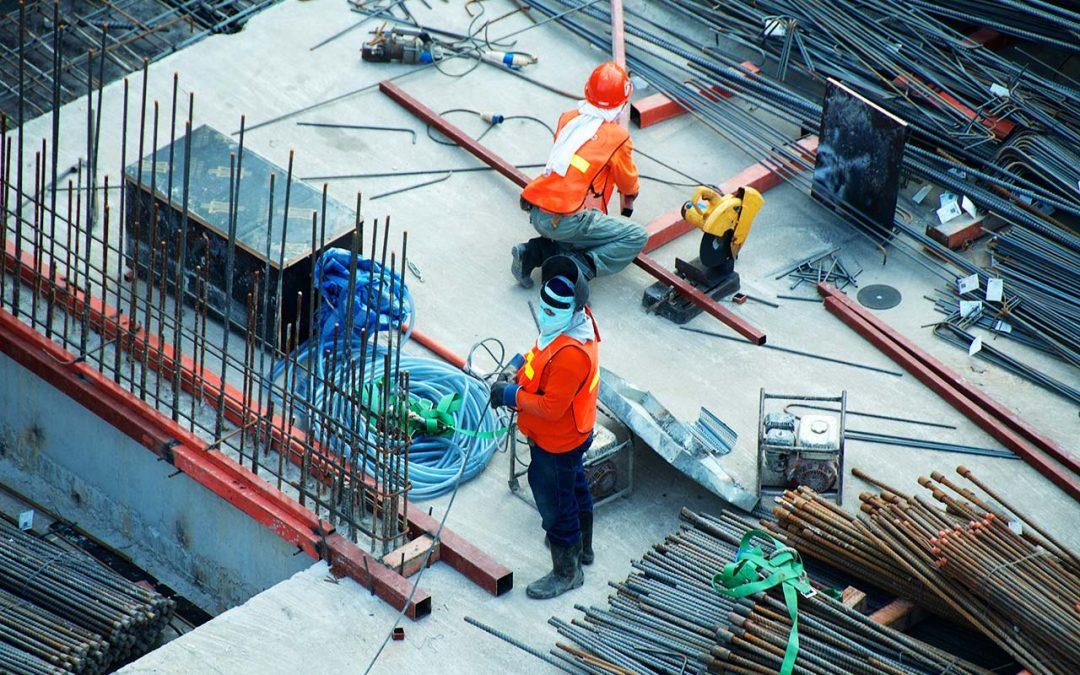 La reinversión en una vivienda habitual en fase de construcción dentro del plazo de dos años otorga derecho a la exención en el IRPF