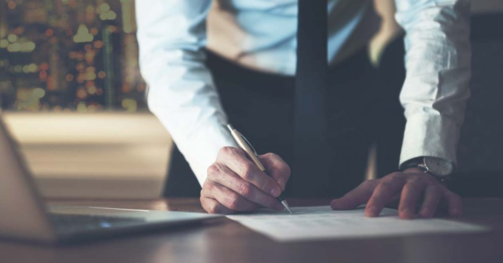 Firma contrato encargado del tratamiento de datos